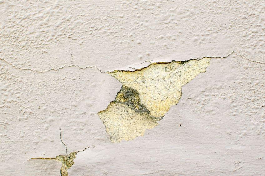 רטיבות בקיר
